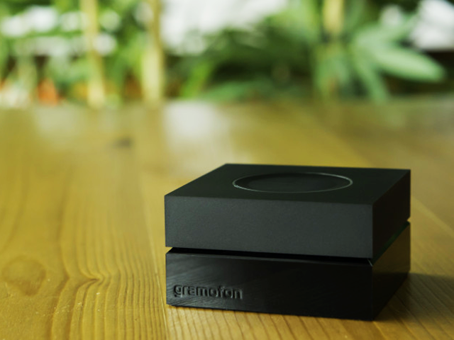 Gromofon_Wi-Fi_music_receiver_with_AllPlay