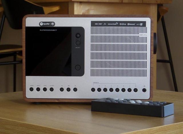 revo_superconnect_radio_internet_radio_with_remote